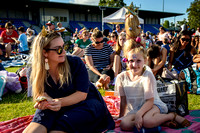 carols crowd 046